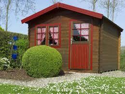 comment protéger un abri de jardin en bois